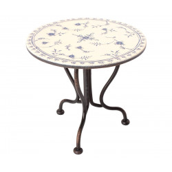 Vintage tea table, micro