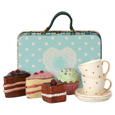 Maileg - Resväska med tårta och porslin för två